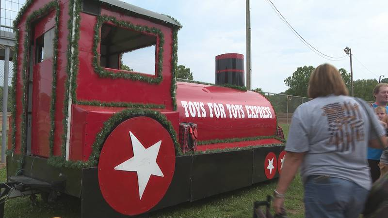 Ohio Valley Motor Speedway hosts Christmas in July event