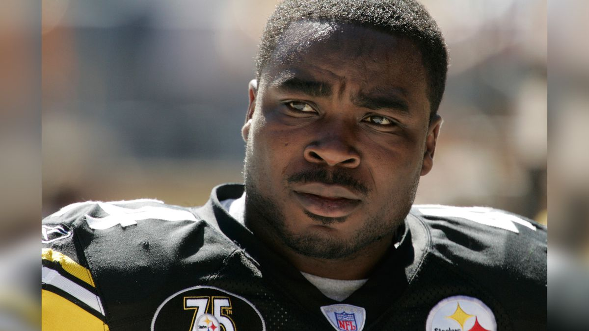 FILE - This Sunday, Sept. 23, 2007, file photo shows Pittsburgh Steelers' Najeh Davenport in...