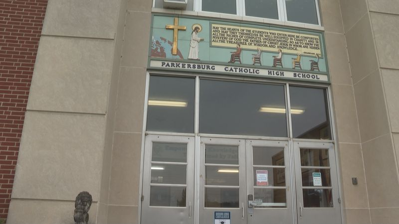 Parkersburg Catholic HS preparing for the return of in-person classes