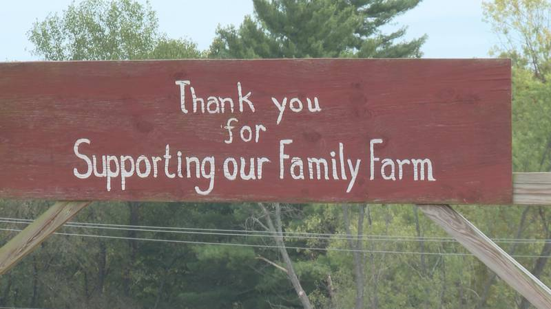 Sweet Apple Farms sees large turnout for fall activities