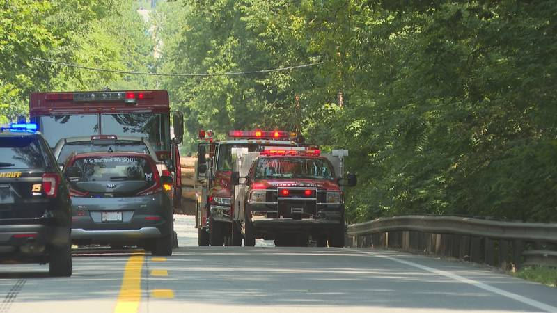 One person dead after single-car crash on Emerson Avenue