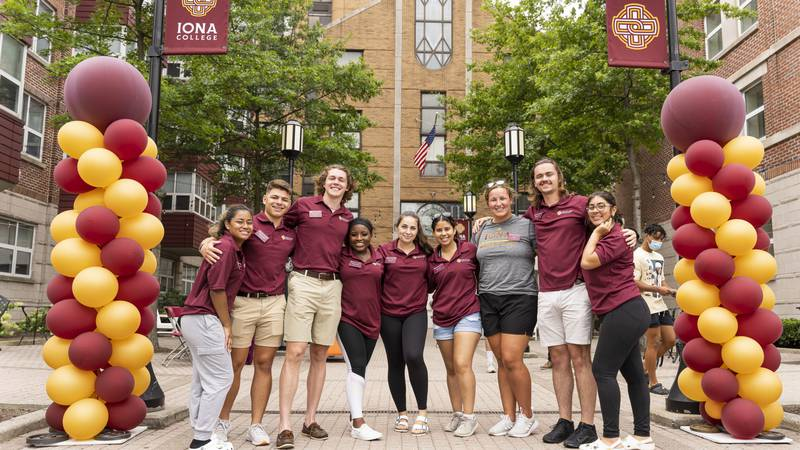 Iona College students on move-in day in New Rochelle, N.Y. Photo credit: Ben Hider.