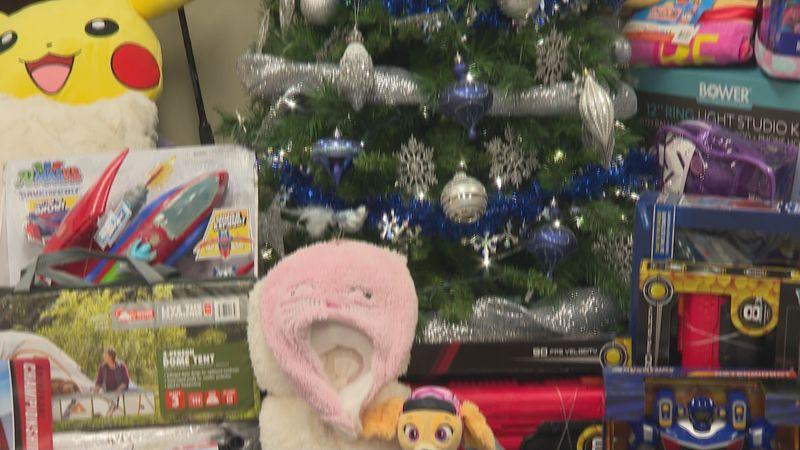 Marietta Community Foundation buys gifts for Angel Tree program