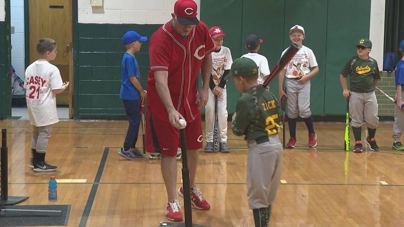 Sean Casey leads kids in baseball drills