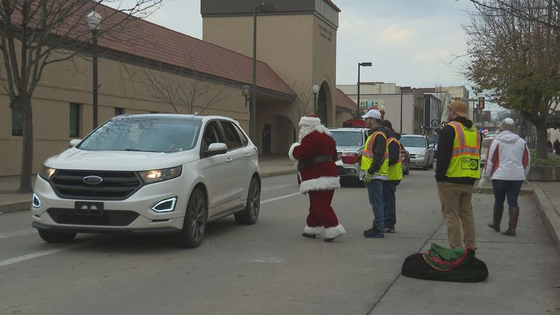 Parkersburg holds annual Christmas Parade