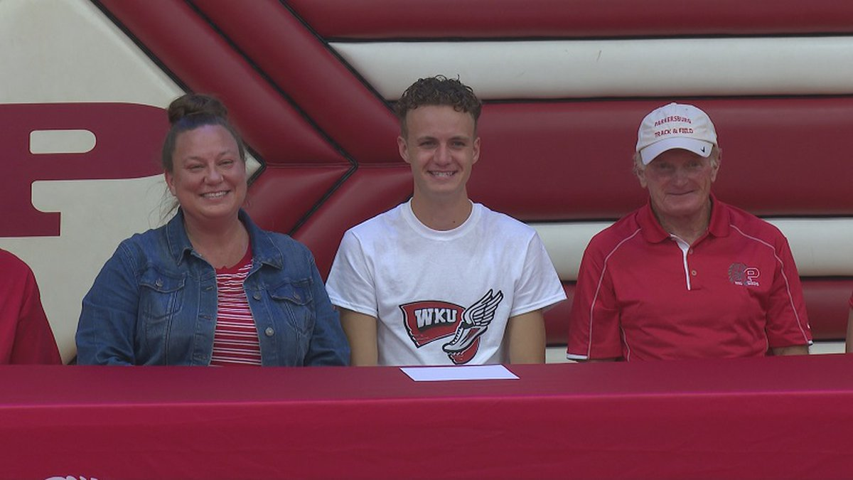 Keegan is joined by family and coaches to sign on to run for Western Kentucky